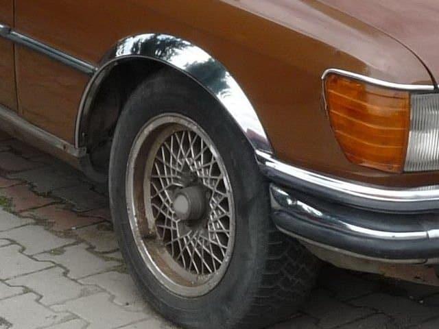 Skärmkantlister i krom Mercedes W116 (280,300)
