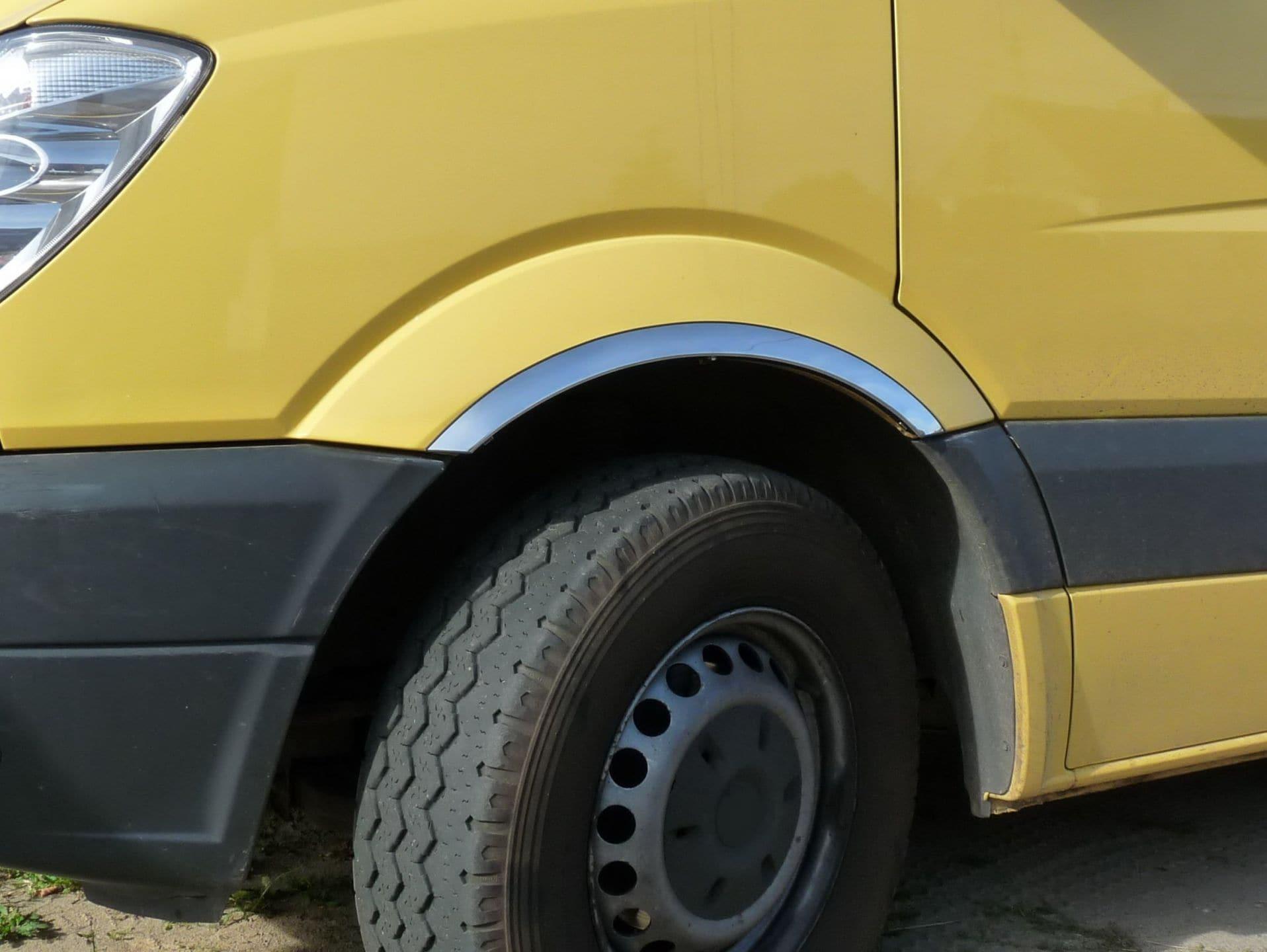 Skärmkantlister i krom Mercedes Sprinter 901-905 (med stänkskydd)