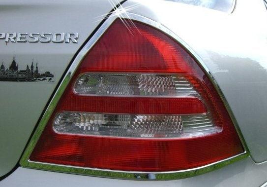 Kromade kantlister till baklampor - Mercedes Benz W203