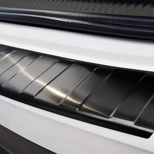Lastskydd Svart borstat stål Audi A4 Avant B9