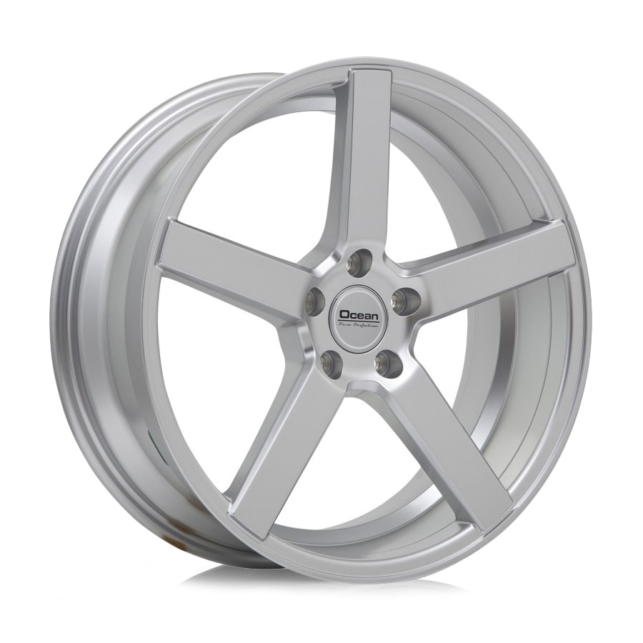 Complete set of Ocean Cruise silver winter wheels